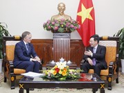政府副总理兼外长范平明会见拉脱维亚国务秘书安德烈斯·贝德高