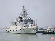 """印度海军舰船访问印尼 大力推进""""向东行动"""""""