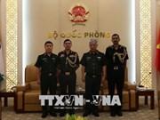 越南国防部副部长阮志咏会见印度和以色列驻越武官