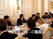 越南与俄罗斯着力促进全面合作关系活跃发展