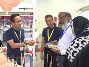2018年新加坡礼品及赠品展:越南竹签工艺品深受观众喜爱