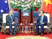 越南国家主席陈大光会见澳大利亚众议院议长托尼•史密斯