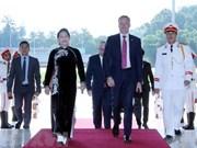 澳大利亚众议院议长托尼·史密斯圆满结束对越南进行的正式访问