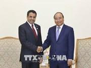 越南政府总理阮春福会见阿联酋新任驻越大使奥贝德