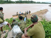 老挝水电站大坝坍塌事故:努力寻找失踪人员