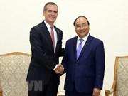 越南政府总理阮春福会见美国加州洛杉矶市长埃里克·加希提
