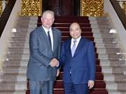 越南政府总理阮春福会见美国前副总统阿尔·戈尔
