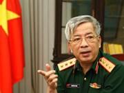 越南国防部副部长阮志咏上将会见英国驻越南大使