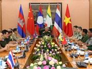 """越南国防部副部长阮志咏会见出席""""充满友谊的边疆""""交流活动的各国代表团团长"""