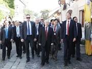 越共中央总书记阮富仲访问匈牙利圣安德烈市