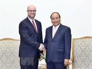越南政府总理阮春福会见美国企业代表团