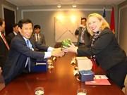 进一步加强越南和加拿大魁北克省的合作