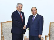 政府总理阮春福会见世界工联秘书长马弗里克斯