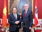 越南政府总理阮春福拜访奥地利总统亚历山大·范德贝伦