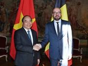 越南政府总理阮春福同比利时首相夏尔·米歇尔举行会谈
