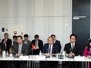 政府总理阮春福与丹麦一流企业领导进行对话