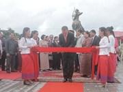 越柬友谊纪念碑在柬埔寨白马市竣工