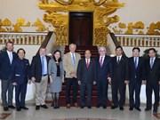 政府总理阮春福会见越南旅游大使