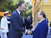 越南政府总理阮春福与法国总理爱德华·菲利普举行会谈