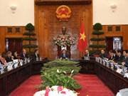 政府副总理王廷惠会见法国企业家代表团