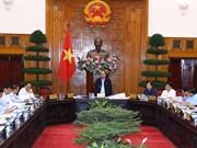 阮春福主持会议讨论中部沿海各省海岸滑坡和河口泥沙堆积情况