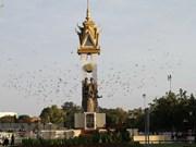 越南党和国家领导人向柬埔寨党和国家领导人致国庆贺电
