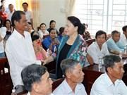 越南国会主席阮氏金银会见芹苴市丰田县选民