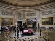 何金玉大使参加美国前总统乔治·赫伯特·沃克·布什吊唁仪式