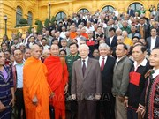 阮富仲会见45个少数民族模范老人和村长