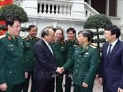 越南政府总理阮春福走访《人民军报》报社