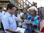 越南党和政府一直关注越裔柬埔寨人和柬埔寨穷人