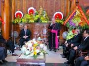张和平、陈青敏圣诞节前走访慰问天主教信教群众和教职人员