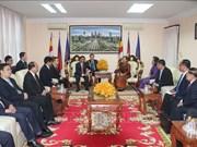柬埔寨领导人会见越共中央检查委员会工作代表团