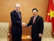 越南政府副总理兼外交部长范平明会见原美国商务部部长