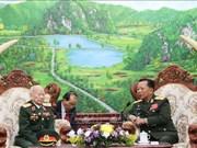 老挝国防部长感谢援老越南志愿军和专家的奉献