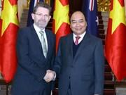 越南政府总理阮春福会见澳大利亚参议院议长