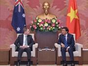越南国会秘书长阮幸福拜会澳大利亚参议院议长瑞安