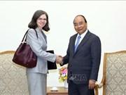 越南政府总理阮春福会见加拿大和智利驻越大使