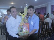 2019己亥年新春临近:向旅柬越侨同胞和柬埔寨人送上节日慰问品