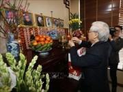 越共中央总书记、国家主席阮富仲上香缅怀已故越共中央总书记黎笋和长征