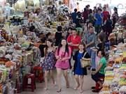 帮助岘港市商贩提高外语能力