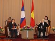 越共中央总书记、国家主席阮富仲会见老挝建国阵线中央委员会代表团
