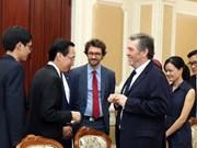 胡志明市加强与法国开发署的合作