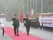 老挝人民军高级政治干部代表团对越南进行正式访问