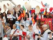 越南特色文化亮相法国塞納-馬恩省Yèbles市法语节