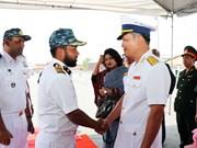 孟加拉国海军护卫舰对胡志明市进行友好访问