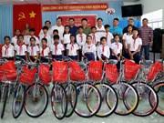 越南高棉族同胞兴高采烈迎接新年