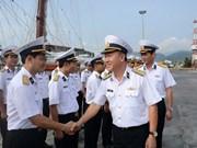 黎贵惇286号帆船起航对印尼与新加坡进行交流访问