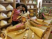 顺化传统手工艺业节:促进手工艺村复苏和发展