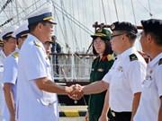 越南黎贵惇286号帆船访问新加坡